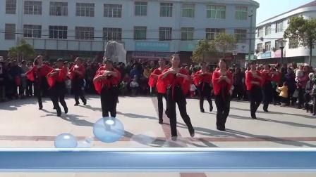 万安县弹前广场舞弹前沙坪舞蹈队欢庆2015年元旦