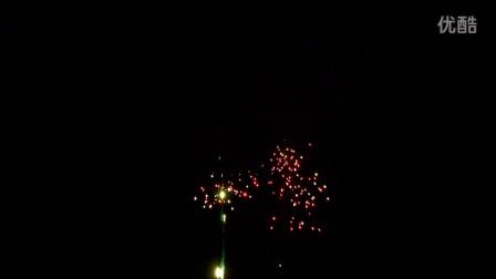 空中瀑布 80发组合烟花 浏阳烟花焰火视频 焰火燃放