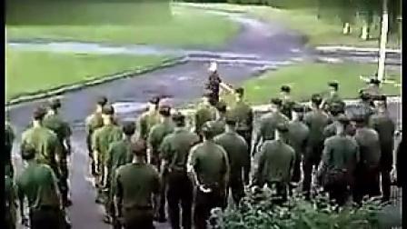 美国西点军校大兵出操搞笑集体跳劲舞
