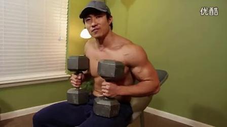 牛男健身视频:野兽般的胸肌锻炼