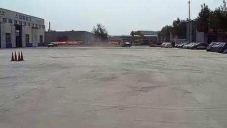 吉利汽车全球鹰自由舰也能玩汽车漂移_标清