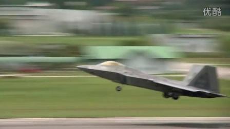 美隐形战机F22 基地起降
