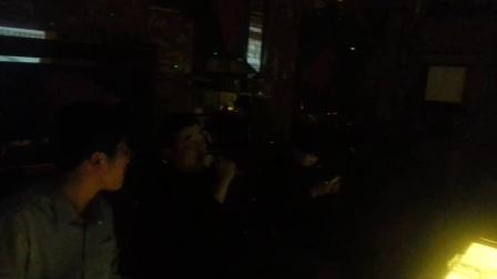 神哥带队唱神曲 临朐沸腾城市KTV 20141113_202635