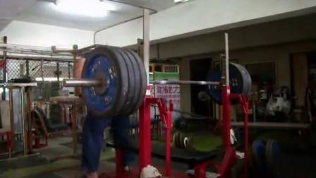 台湾大力士赵建雄肱三头肌训练