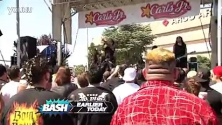 wwe开场曲 WWE The Bash Rev Theory演唱Randy Orton出场音乐Voices和Superstars主题曲Invincible