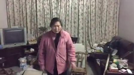 #郑州强拆手段博览会# 【半夜鬼叫门:郑州逼拆手短情景再现】