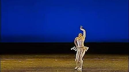 舞蹈《鄂温克小鹿》