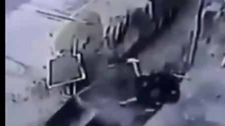 实拍:建筑工人惨被高空坠落的独轮车当场砸死