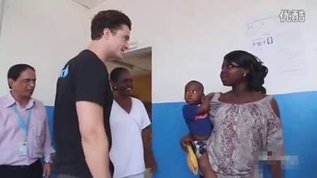 Orlando Bloom Administers Polio Vaccine in Liberia