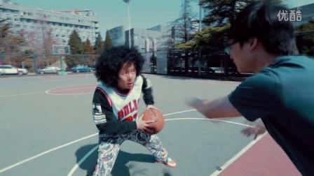 如何在妹子的围观下打篮球