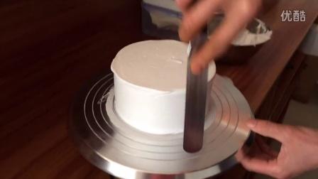 裱花蛋糕直面抹面练习,本视频由qq982352129