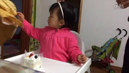 20150329 湾宝宝吃生日蛋糕咯