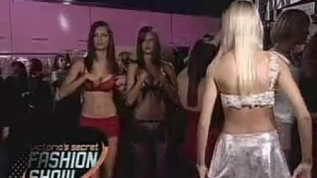 维多利亚的秘密2001时装秀