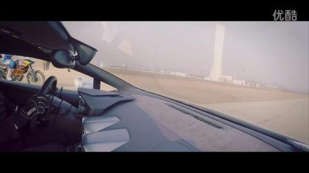 """红牛KTM摩托车跨界挑战超跑 """"山野之王""""0.4秒惜败""""公路猛兽"""""""