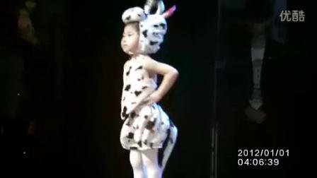 牛奶歌舞蹈视频_标清