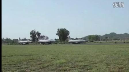 实拍巴基斯坦 枭龙战机 主席专机护航编队
