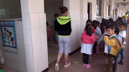 2、阳光苗苗幼儿园4月标准化流程(如厕排队)视频