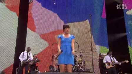 Lily Allen - Smile (Concert.For.Diana.2007)