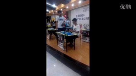 wca成都赛杨海鑫在三阶单手项目中单次以8.27s打破世界纪录