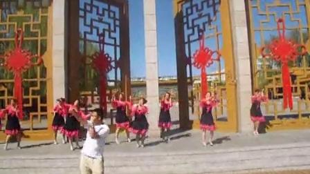张家口宣化区河子西乡朱家庄二伟活力健身舞队广场舞如果感到幸福你就拍拍手