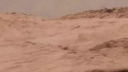 HBH01330汹涌的黄河水