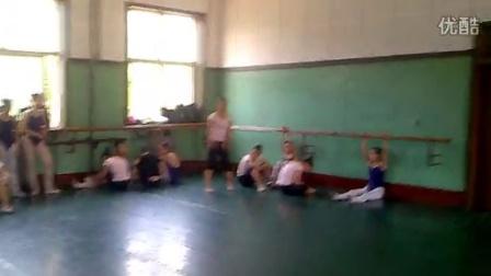 舒曼舞蹈2012年  舞蹈技巧展示旋子