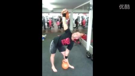 Mike 'TheHuff' 功能性健身项目大师 Mike 'TheHuff' functional fitness guru