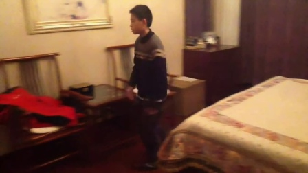 外星人入侵 月黑黎明(12岁中国男孩制作的科幻特效微电影)