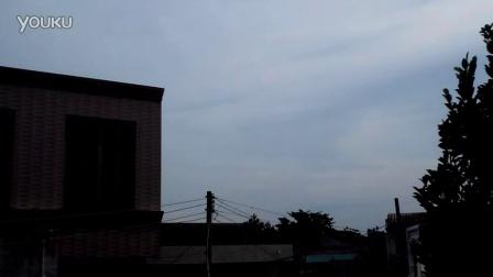 实拍:一架战机从湛江徐闻上空飞过