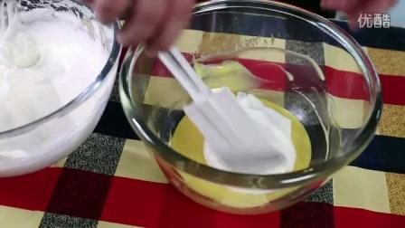 """""""纽罗宾""""教你如何DIY制作草莓蛋糕卷"""