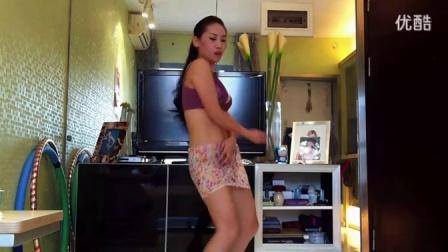 看完受不利啊 超性感 美女在家跳艳舞