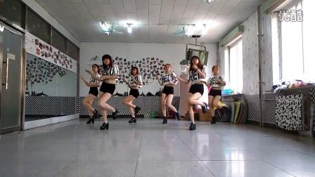 阜新高专健美操队活动室20150522-mama mia