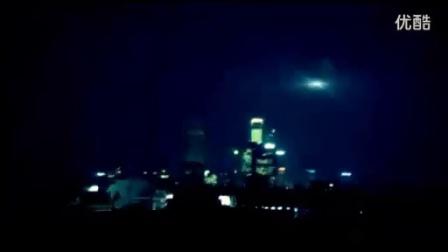 2011年4月4日西班牙马德里亮彻黑夜的UFO高清晰视频_标清