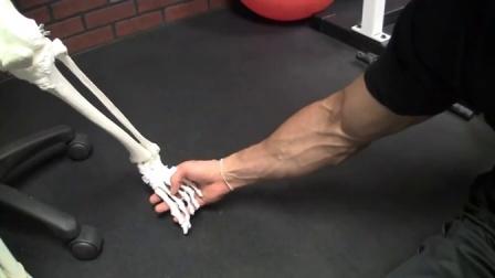 「扁平足」搞砸你健身计划的 5 种方式 (附赠修正扁平足练习)