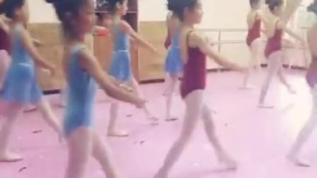 Ray瑞艺恩专业舞蹈培训-CSTD小舞蹈