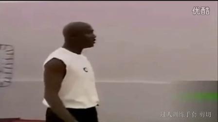 乔丹训练单挑攻防有多强 年轻阿泰竟然傻笑不敢上
