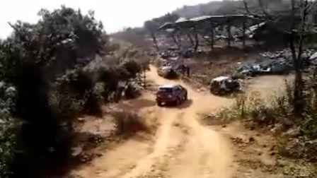 双环汽车轻松踏平挡汗坡!