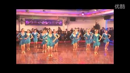 2011年11月《莉之舞》培训中心在荆州市体育舞蹈协会年会上表演拉丁队列舞