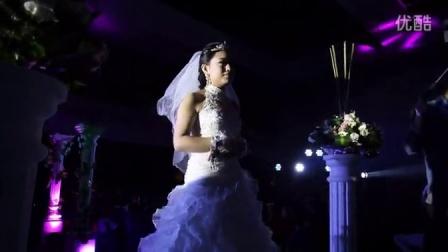 西安主持人王佳主持自己的婚礼--模仿8位明星--大跳江南style_超清