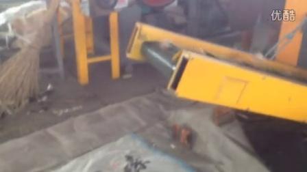牛皮管切断视频_20150728152232 粉碎设备 纤维切断机