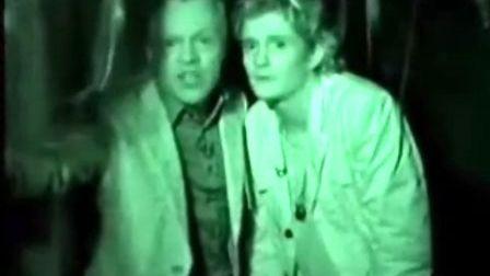 2003年10月 Graham Norton秀万圣节广告1