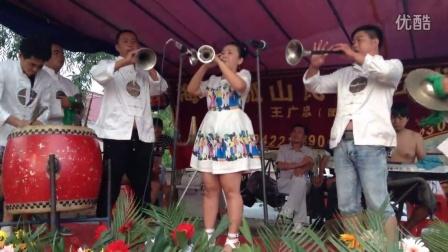 辽阳可心:《双唢呐浪秧歌》在海城毛祁演出实况。