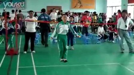 广州市八一实验学校王浩在区小学生跳绳双飞比赛