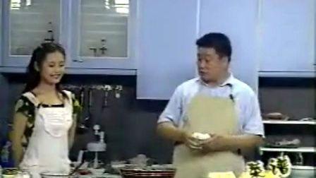 """家常菜""""鱼头炖豆腐""""--江西新东方烹饪学院品牌厨师学校教你做"""