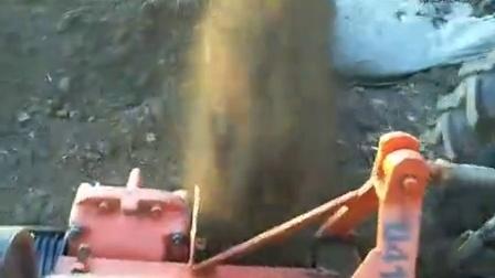 葡萄埋藤机
