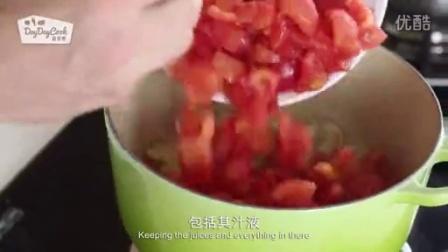 居家美食番茄面包汤的制作