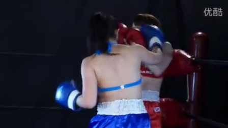 美女拳击表演