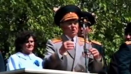1992年乌克兰基辅某军事学院毕业仪式(简直就是苏军嘛)