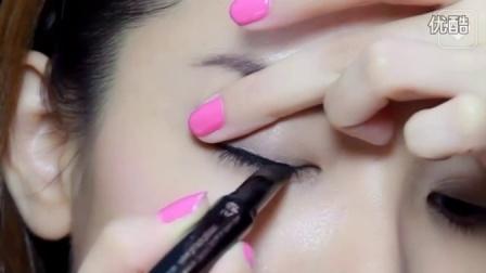 抹茶美妆:三分钟学化妆   新手基础眼线小技巧