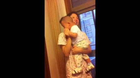 宝宝和妈妈跳舞